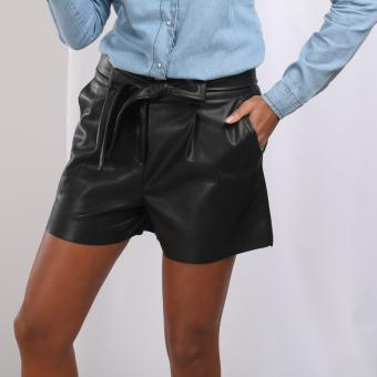 3S. x Stylist - Short en simili cuir Jena - Black and white