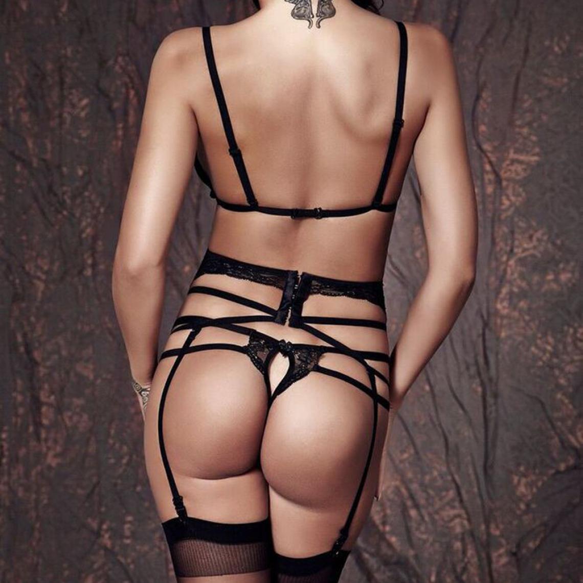 Ensemble soutien-gorge et string porte-jarretelles noir