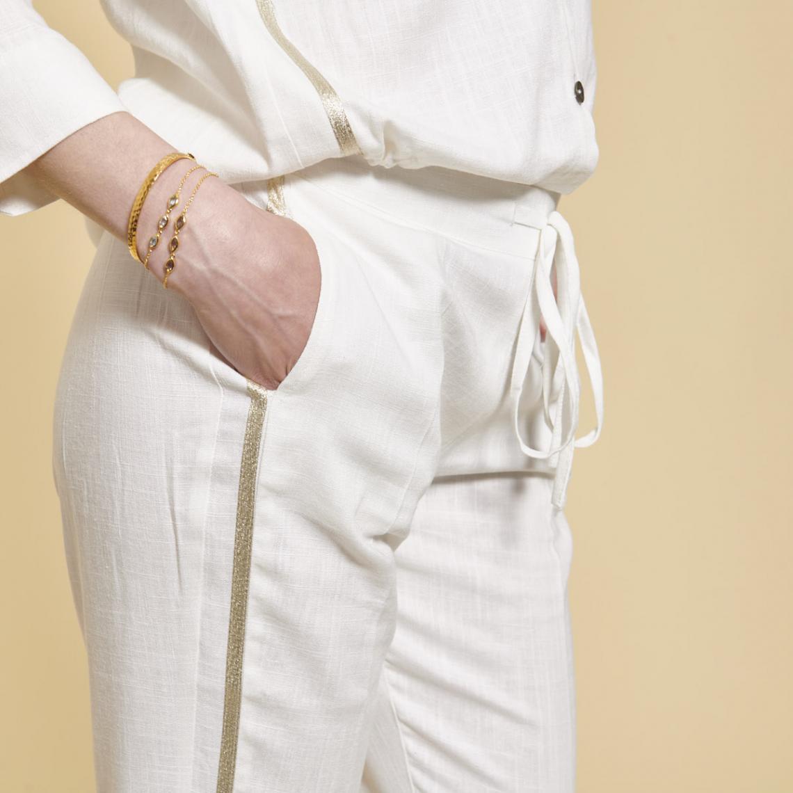 fd1c3f85701a9 Pantalon en lin avec bandes appliquées 3 SUISSES Collection
