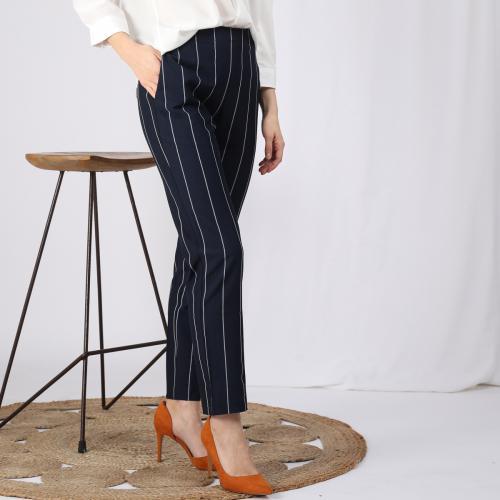 71d1b6b3a5d 3 SUISSES - Pantalon rayé taille élastique poches et pinces dos femme -  Rayé Bleu Marine