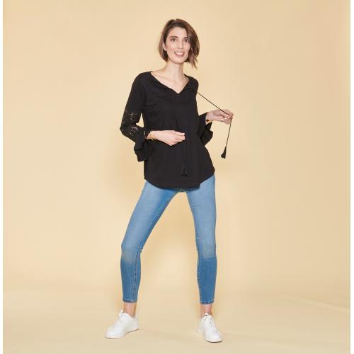 0ff6601bab3 3 SUISSES - Tee-shirt col caftan manches longues volantées plis et dentelle  femme -