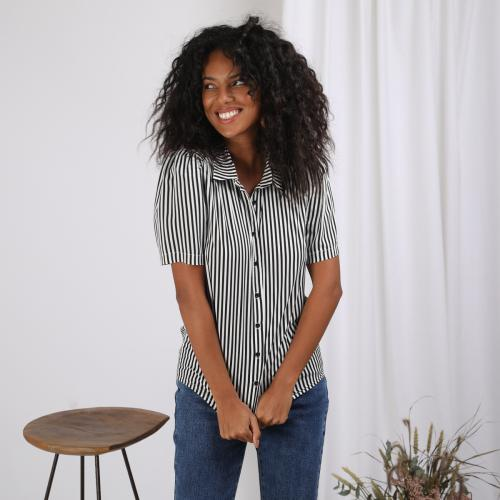 3S. x Stylist - Blouse manches courtes rayée Lana - Black and white