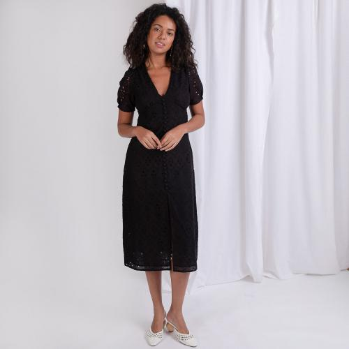 3S. x Stylist - Robe longue en broderie anglaise Loraine - Robe