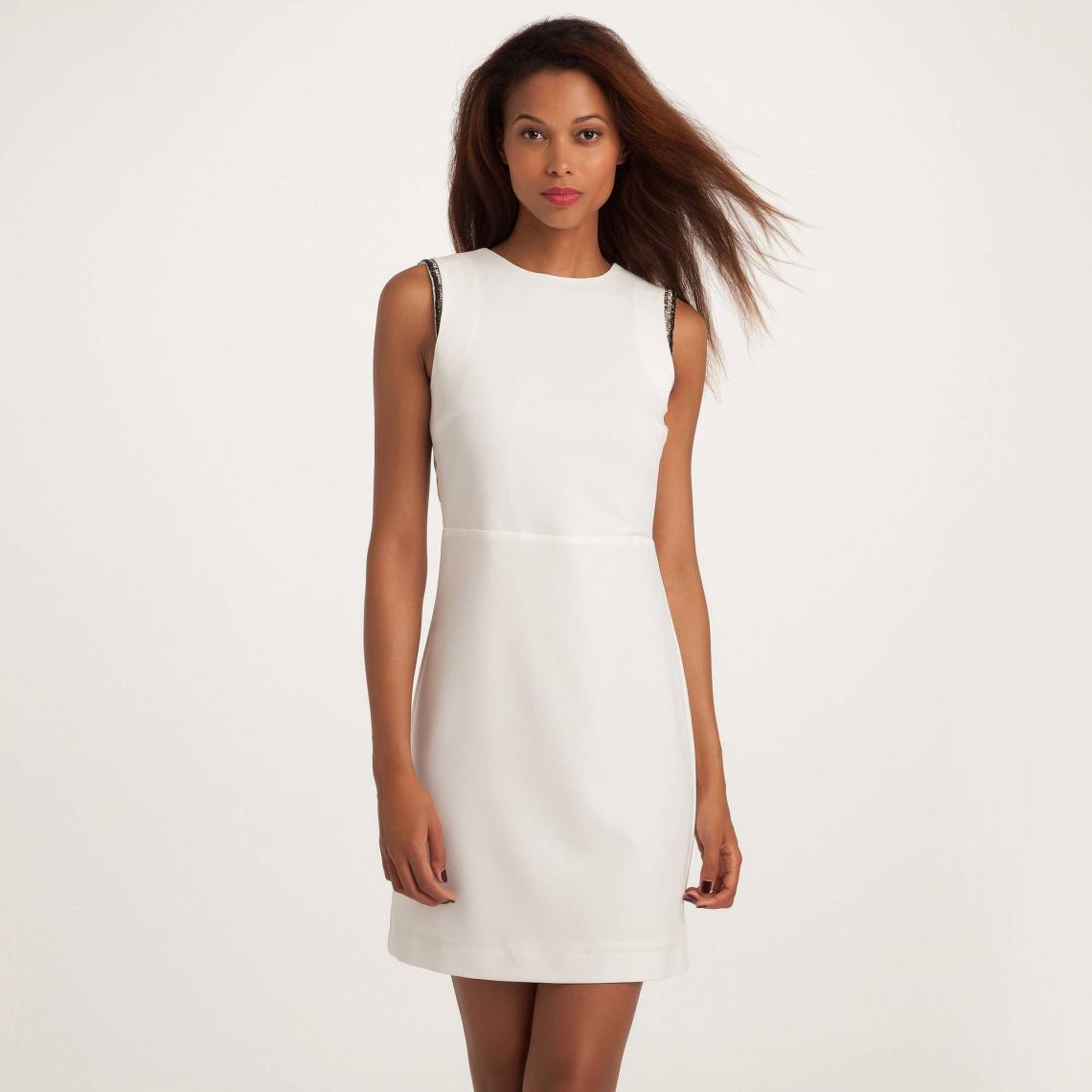 c22550016d4 Robe courte sans manche grand décolleté V au dos détails perlés femme 3  SUISSES Collection -
