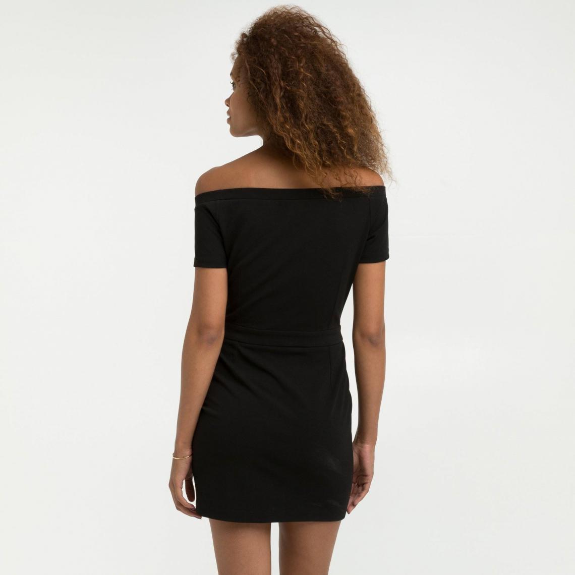 Robes noires femme 3 Suisses Collection Cliquez l image pour l agrandir. Robe  courte ajustée col bardot manches ... fb25604262c9