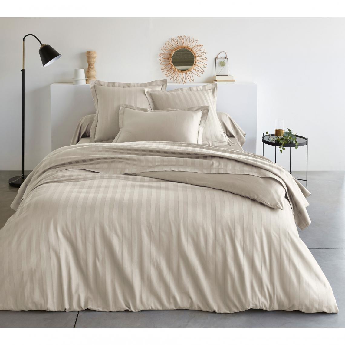 housse de couette 1 ou 2 personnes ray e en satin de coton. Black Bedroom Furniture Sets. Home Design Ideas