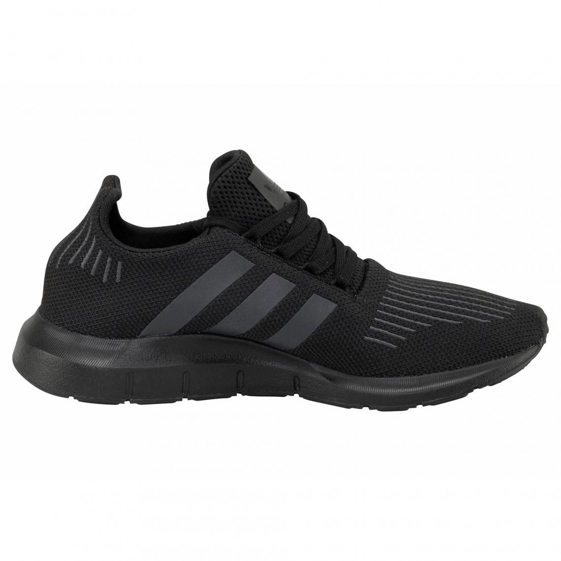 968147a723b3 adidas Originals Swift Run chaussures running homme - Noir