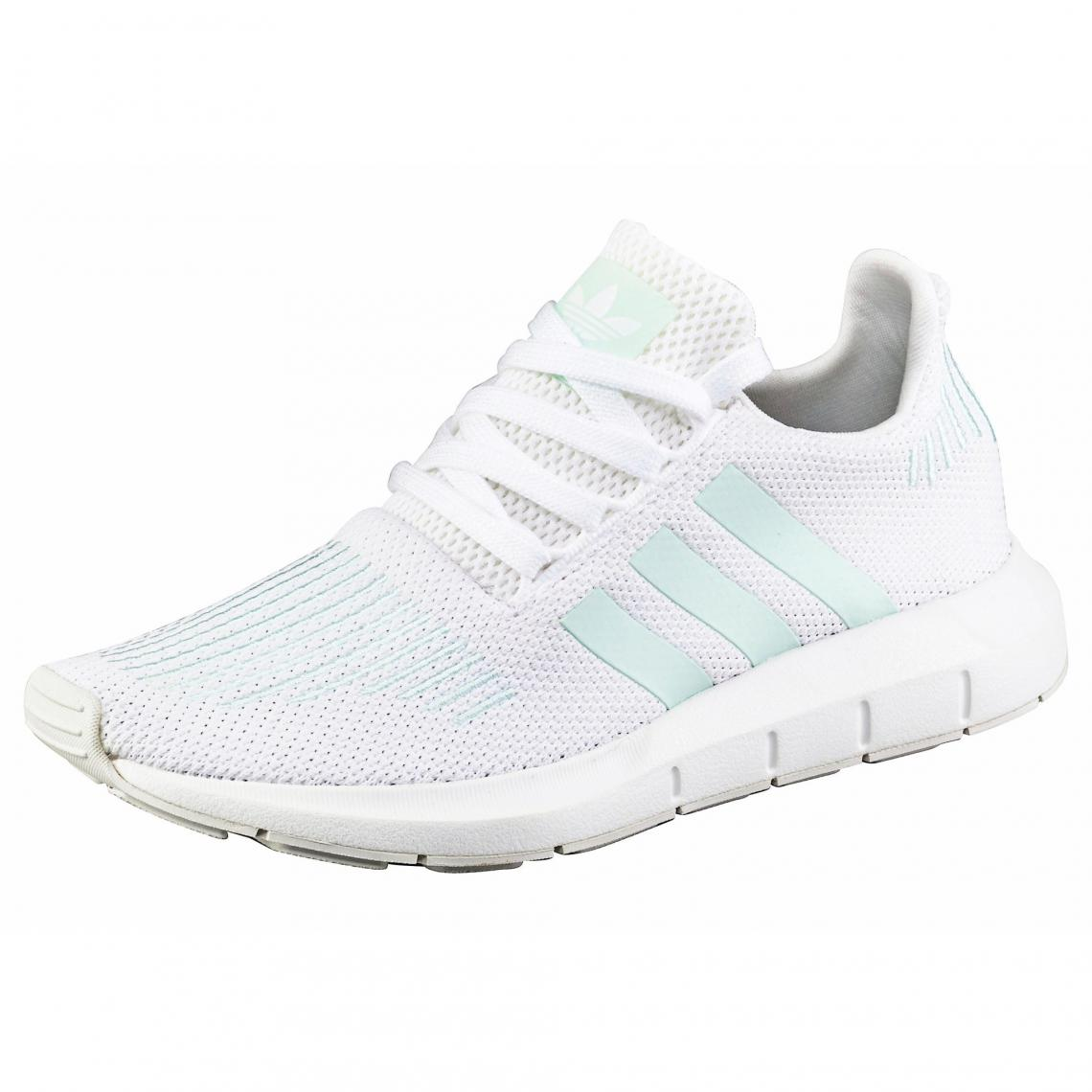 39664fda3d adidas Originals Swift Run chaussures running femme - Blanc - Menthe Adidas  Originals Femme