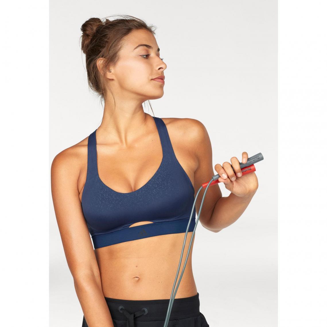 ensemble de sport femme fitness adidas