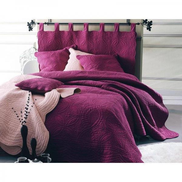 t te de lit en boutis uni coton becquet rouge 3 suisses. Black Bedroom Furniture Sets. Home Design Ideas
