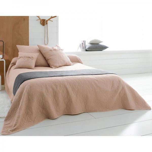 jet de lit ou canap mitation boutis becquet rose 3 suisses. Black Bedroom Furniture Sets. Home Design Ideas