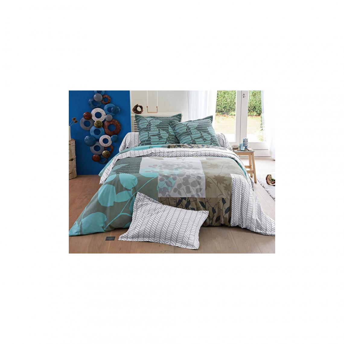 housse de couette patchwork de feuilles becquet beige 3 suisses. Black Bedroom Furniture Sets. Home Design Ideas