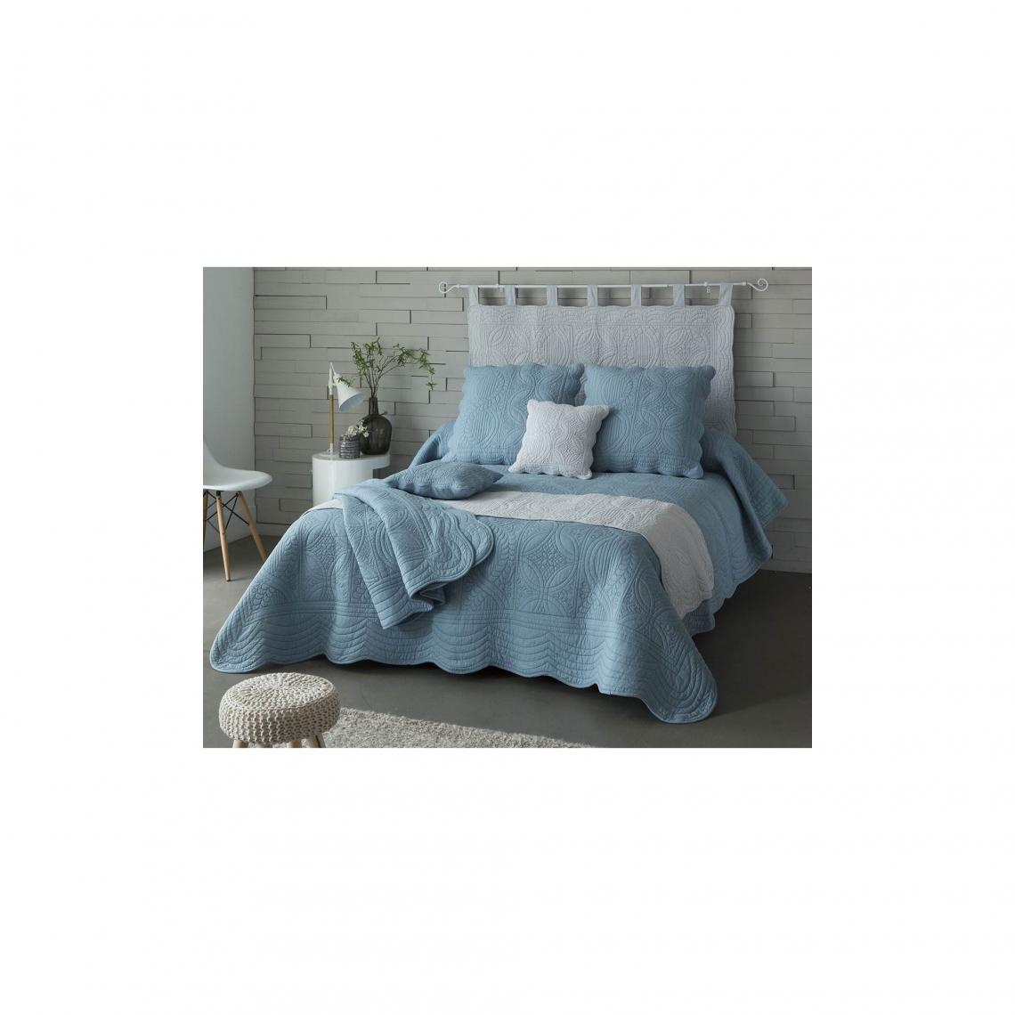 t te de lit en boutis uni pur coton becquet bleu gris. Black Bedroom Furniture Sets. Home Design Ideas