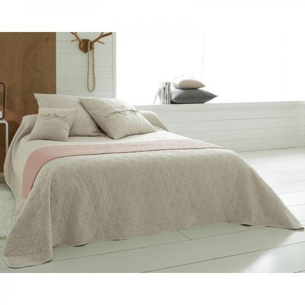 jet de lit ou canap mitation boutis becquet cru 3 suisses. Black Bedroom Furniture Sets. Home Design Ideas