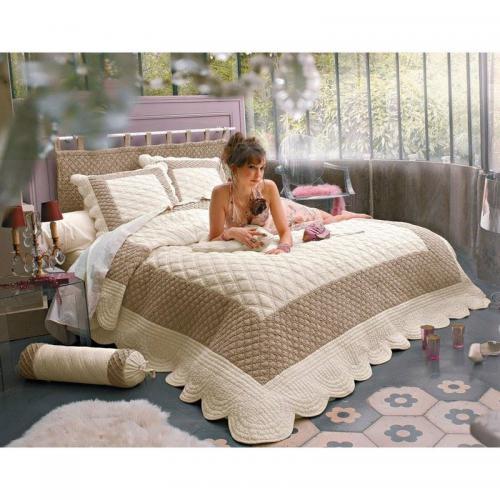 couvre lits jet s de lit 3 suisses. Black Bedroom Furniture Sets. Home Design Ideas
