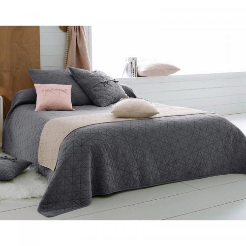 boutis couvre lits jet s de lit 3 suisses. Black Bedroom Furniture Sets. Home Design Ideas