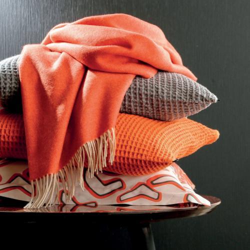 d6ba8db94c9c Blanc des Vosges - Plaid uni laine vierge mérinos Katmandou Blanc Des Vosges  - Orange -