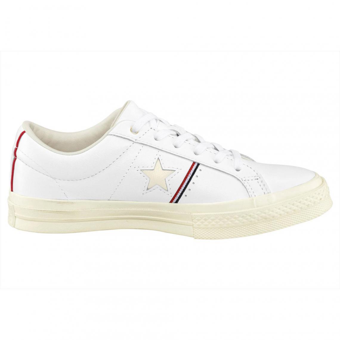 5377fd0762b Sneakers Converse Cliquez l image pour l agrandir. Baskets basses homme  Converse One Star Ox - Blanc Converse