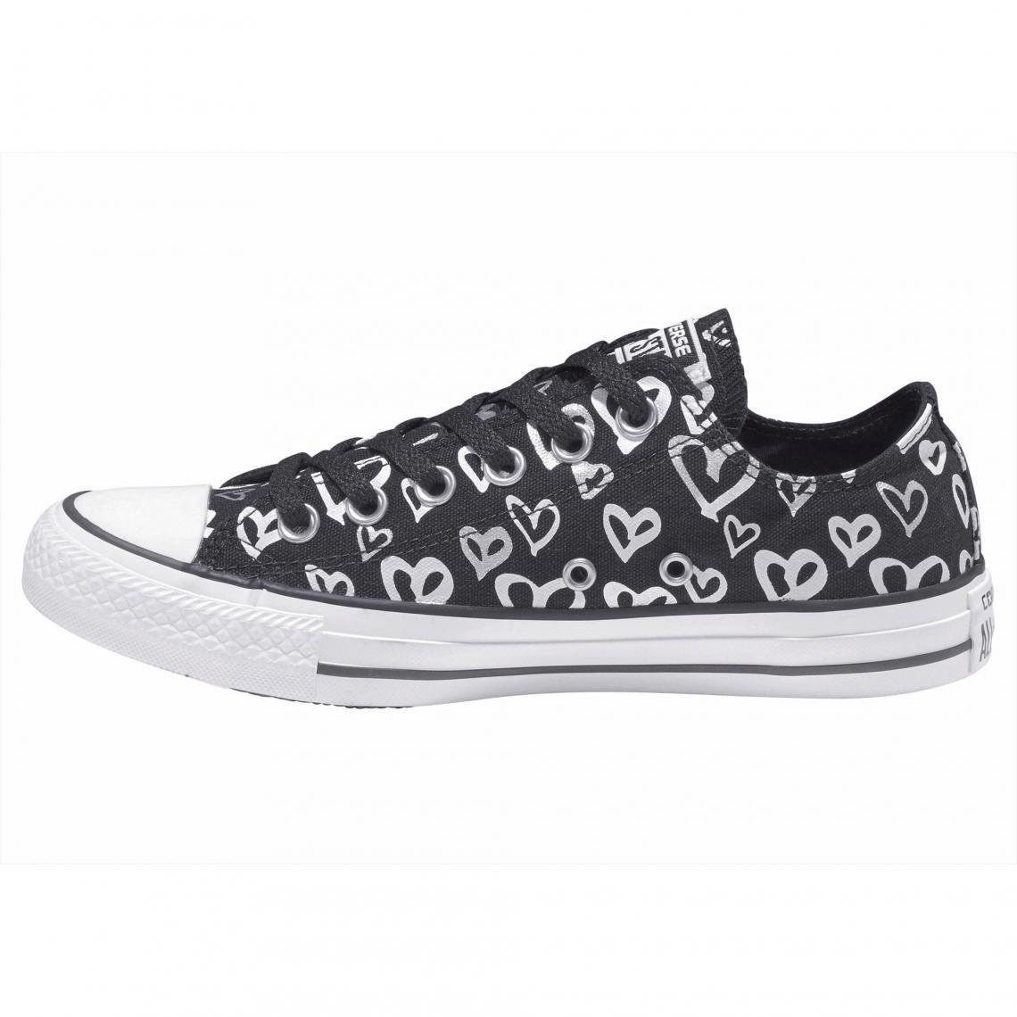 6af7515b7ee6f Sneakers Converse Cliquez l image pour l agrandir. Sneakers basses femme Converse  Chuck Taylor All Star Ox Heart - Noir ...