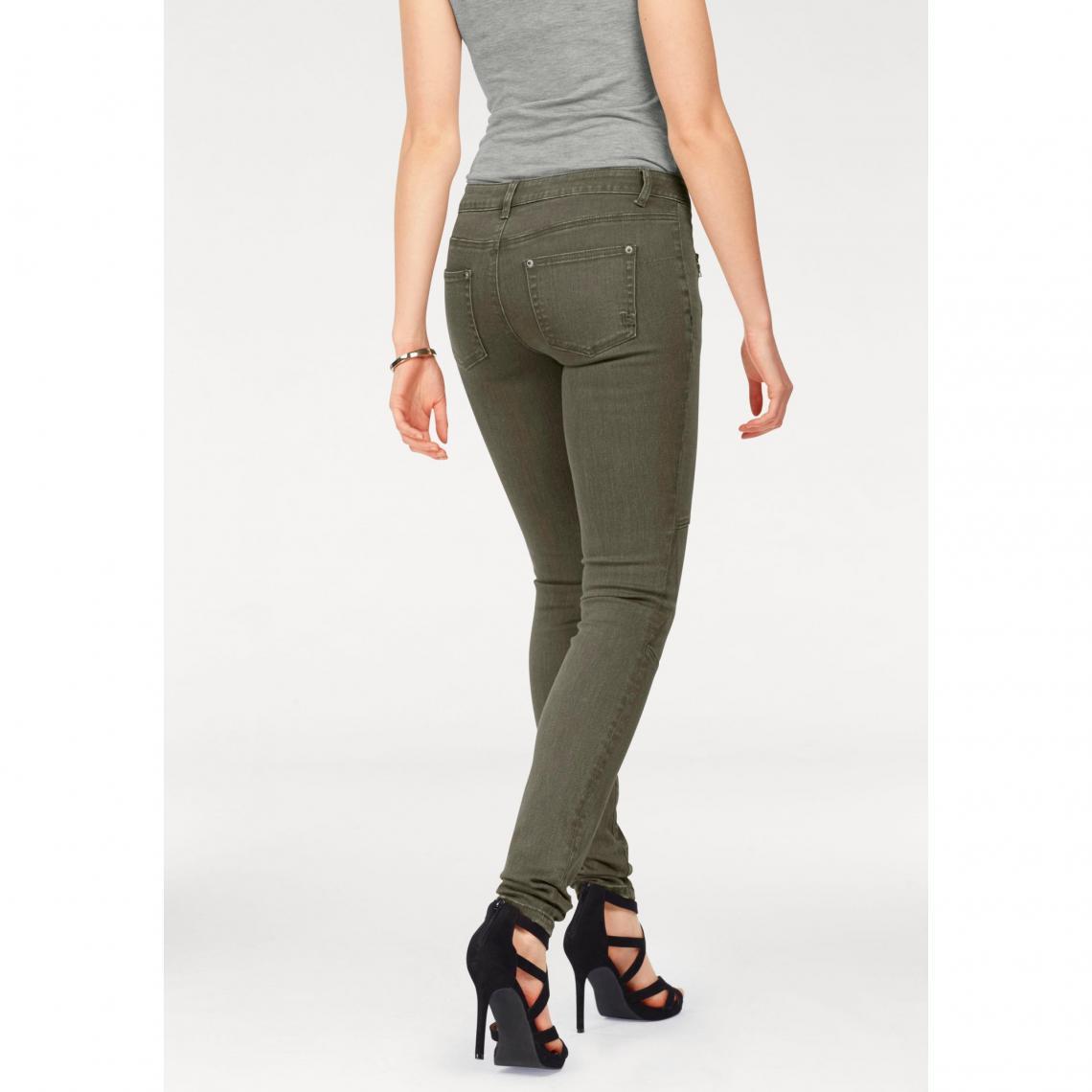Pantalons slim femme Laura Scott Cliquez l image pour l agrandir. Pantalon  slim zippé avec empiècements ... 893118b96f70