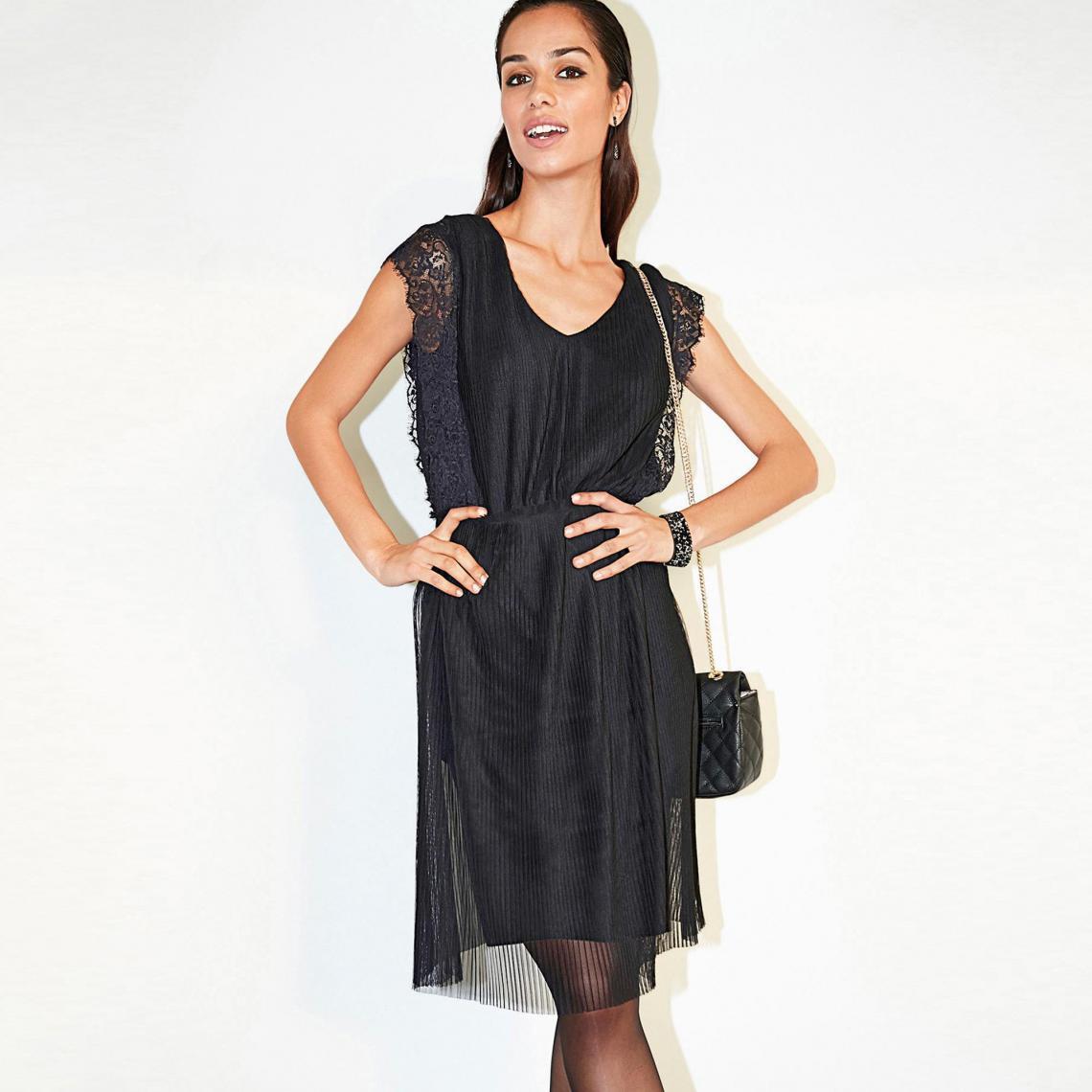 Robe courte sans manche plissée et dentelle - Noir - 3 SUISSES - Modalova