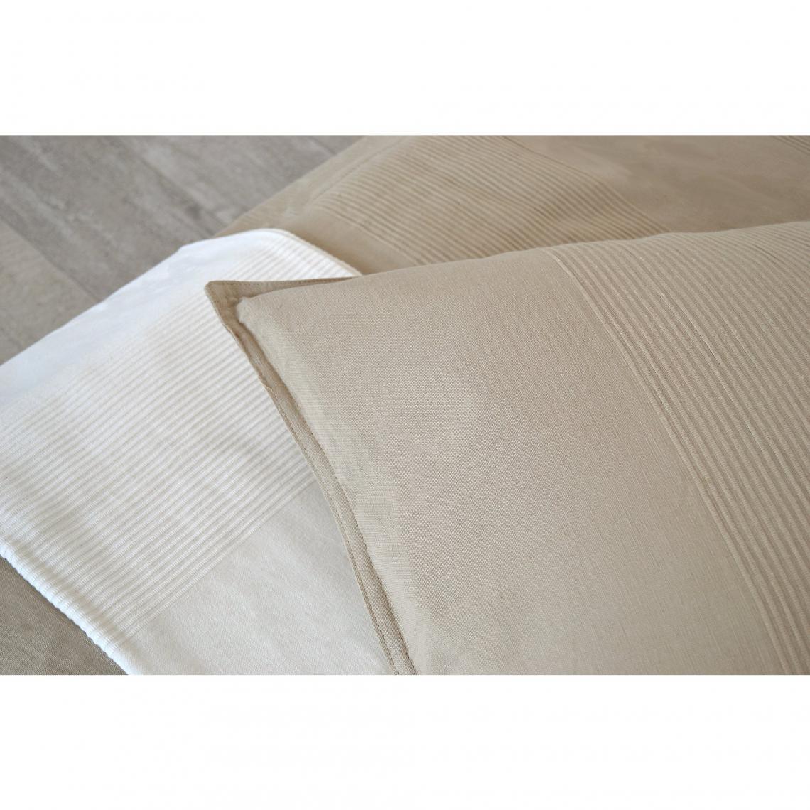 parure couvre lit 1 ou 2 personnes 300 gr m2 ottoman 3 suisses. Black Bedroom Furniture Sets. Home Design Ideas