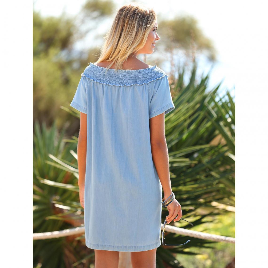 466ccd33475b4 Robes courtes femme 3 Suisses Cliquez l image pour l agrandir. Robe en jean  col bateau élastique broderie femme Exclusivité ...