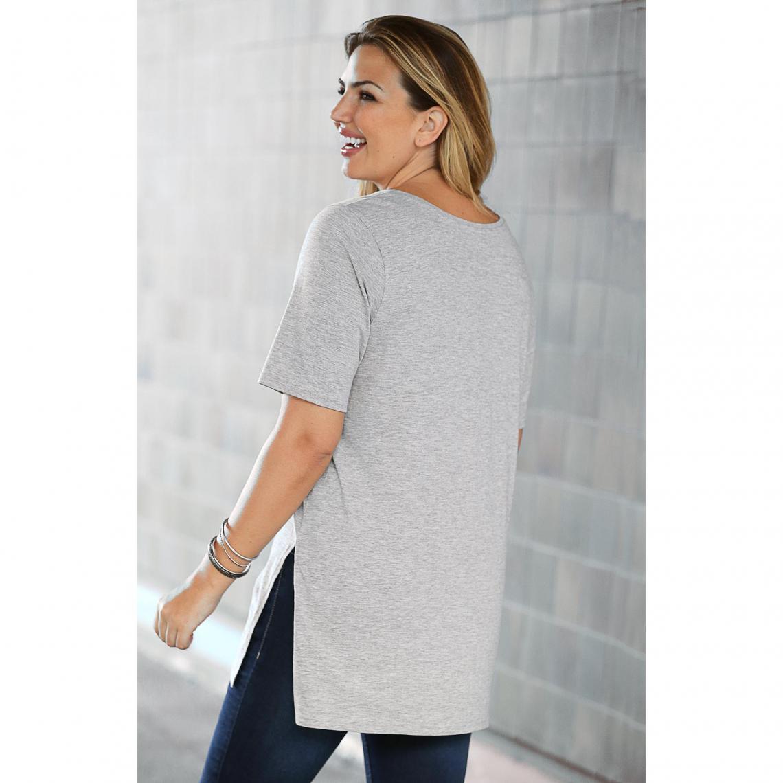 T-shirts imprimés femme 3 SUISSES Cliquez l image pour l agrandir.  Tee-shirt long fendu manches courtes femme Exclusivité 3SUISSES - gris chiné  ... 2e3c7454d99