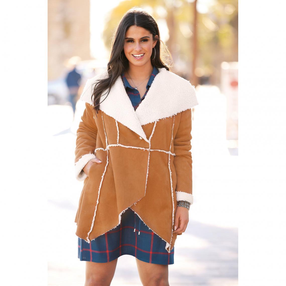 Manteau intérieur fourrure synthétique bas en pointes grandes tailles - Camel - 3 SUISSES - Modalova