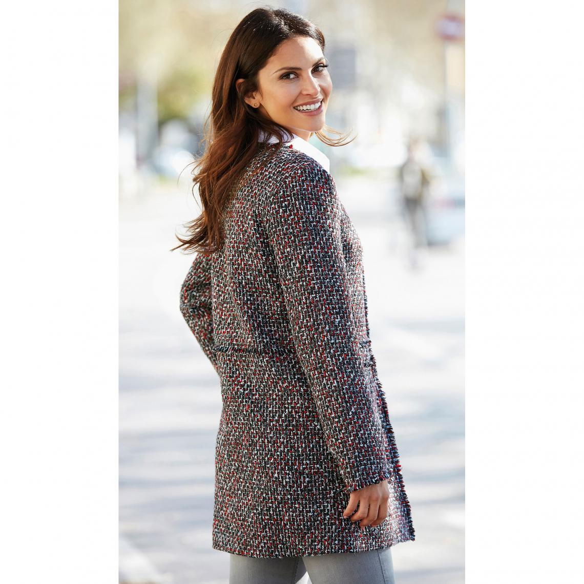 Manteaux femme 3 SUISSES Cliquez l image pour l agrandir. Manteau doublé  fermé par pressions aspect effiloché femme Exclusivité 3SUISSES - Rouge  Grenat ... 3a13af1c4b4