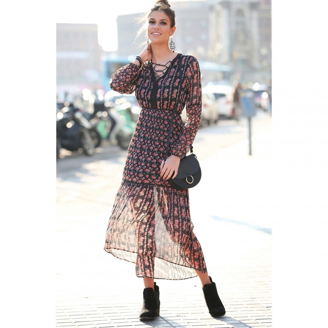 49d049db1ef Robe longue asymétrique imprimée manches longues et dentelle femme ...