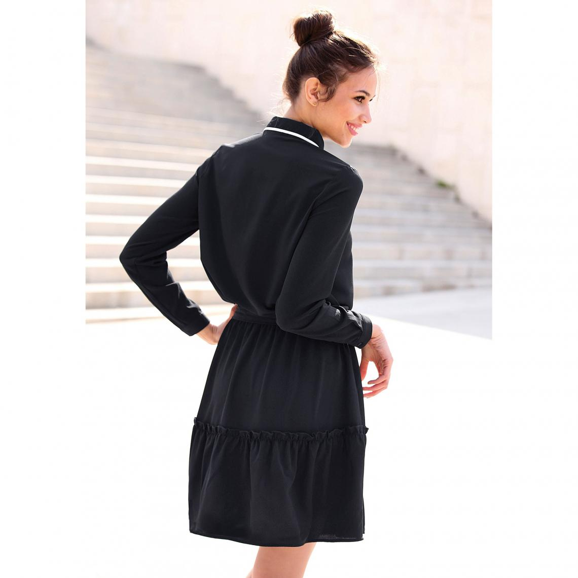 78eee568c37 Robe courte manches longues taille élastique et ceinture contrastée ...