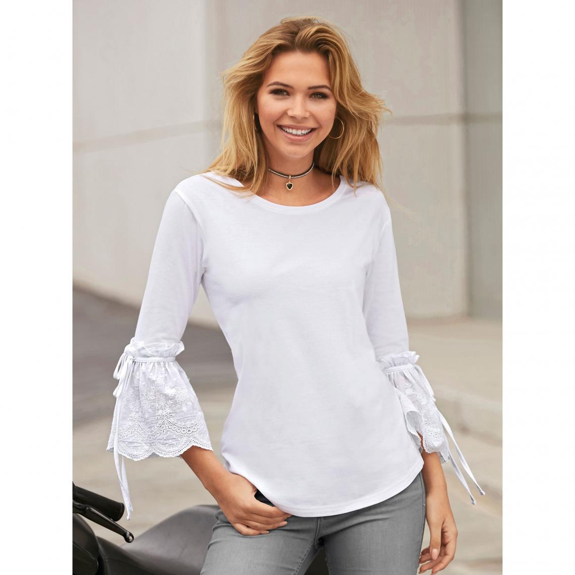 945e1f503c1 Tee-shirt manches longues avec volants en broderie suisse femme - Blanc 3  SUISSES Femme