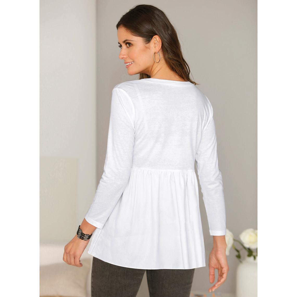 62be811cfaa Tee-shirt manches longues bas arrondi boutons perles et fronces ...