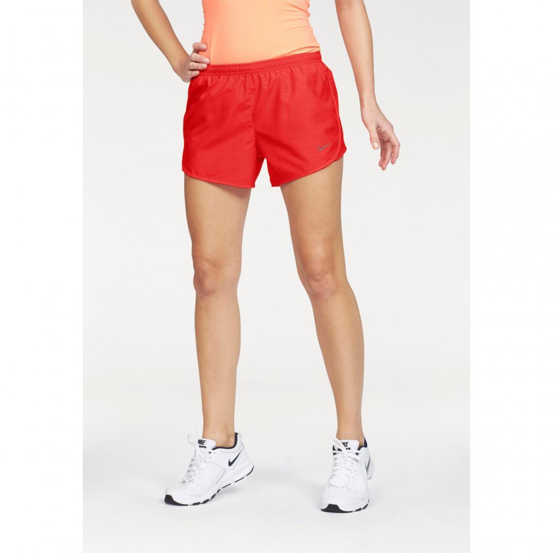best loved 91fc1 0e0f7 Short court femme Nike Modern Embossed Tempo de Nike - Rouge | 3 SUISSES