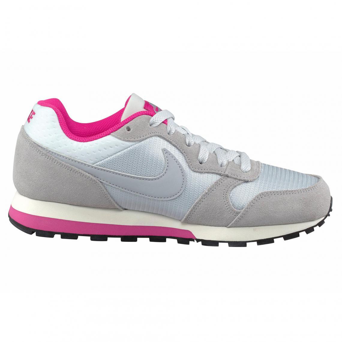 af5241c69ec12 Nike chaussures de running MD Runner 2 Wmns femme - Gris Clair ...
