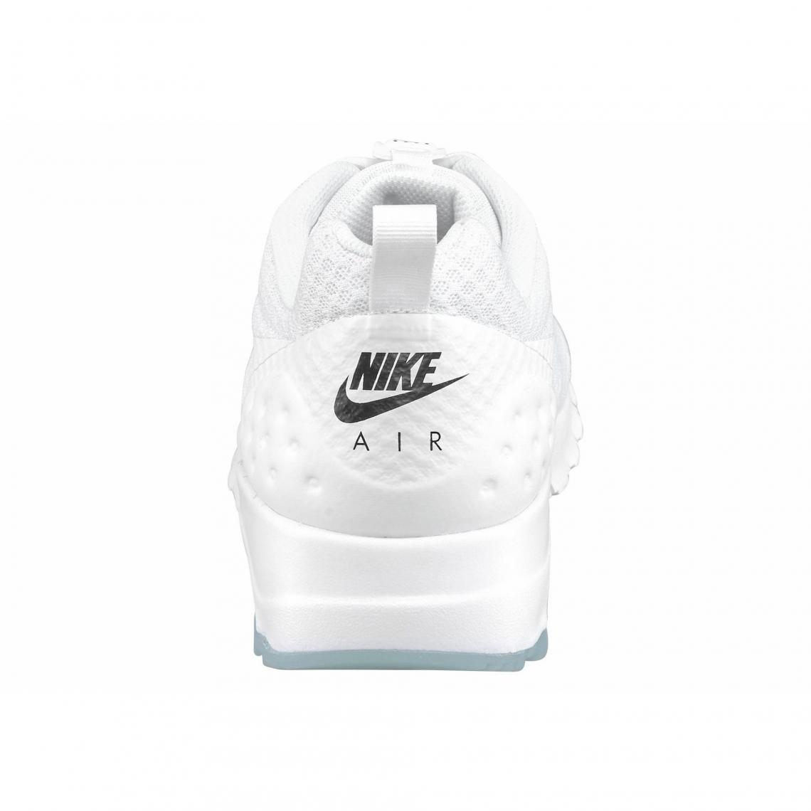 Nike Air Max Motion LW chaussures de running homme Blanc