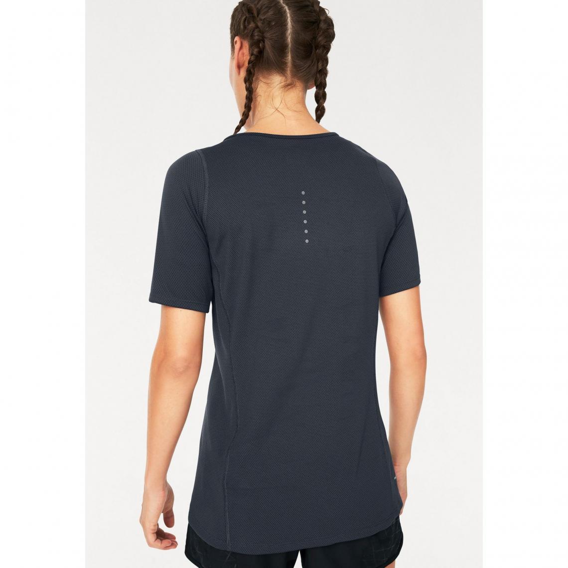 Tee-shirt de sport manches courtes femme Dri-FIT ZNL Classic Relay ... aff37fd96ca