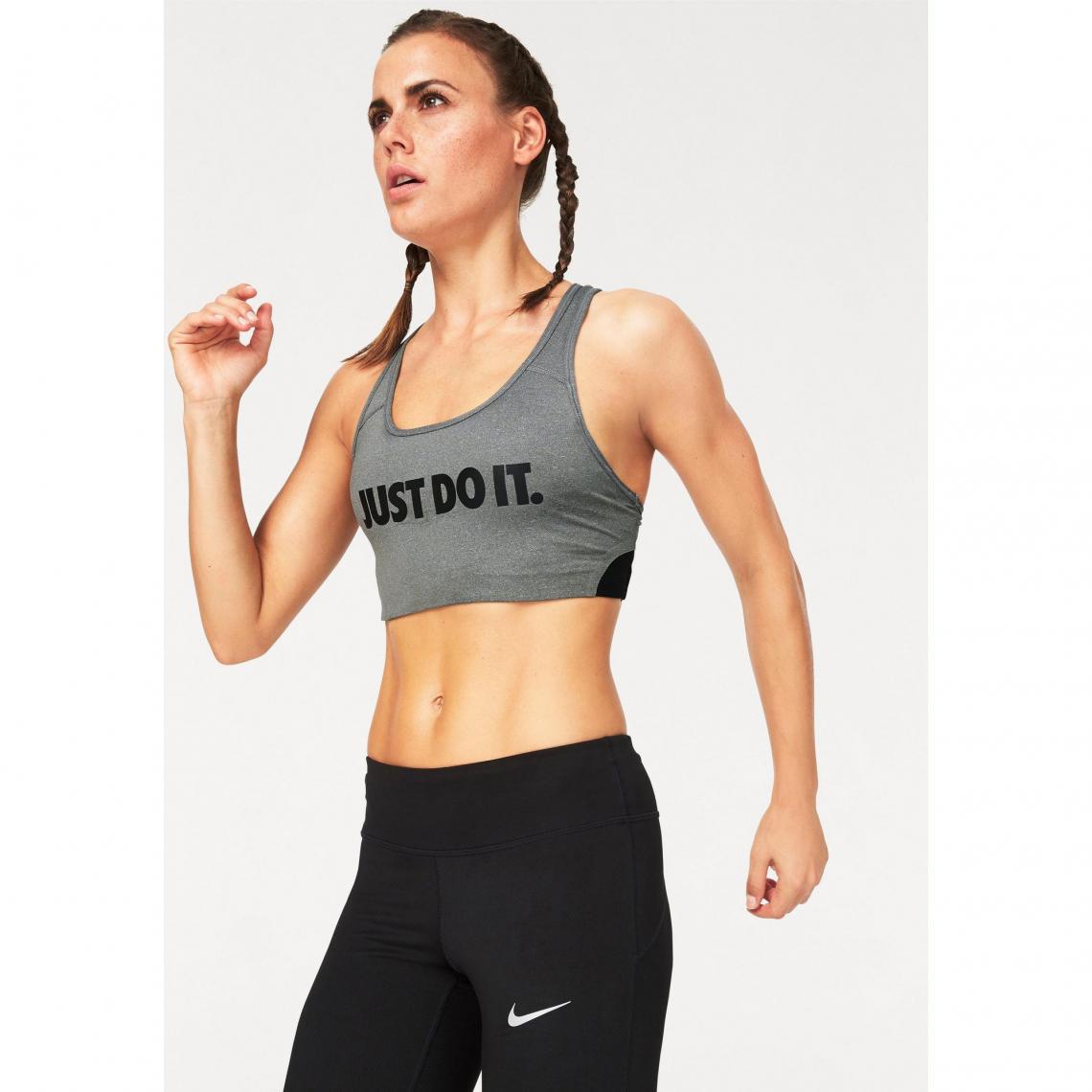 4eea15b8bff9 Brassière de sport femme Pro Classic Swoosh Cooling Bra Nike - Gris Nike  Femme