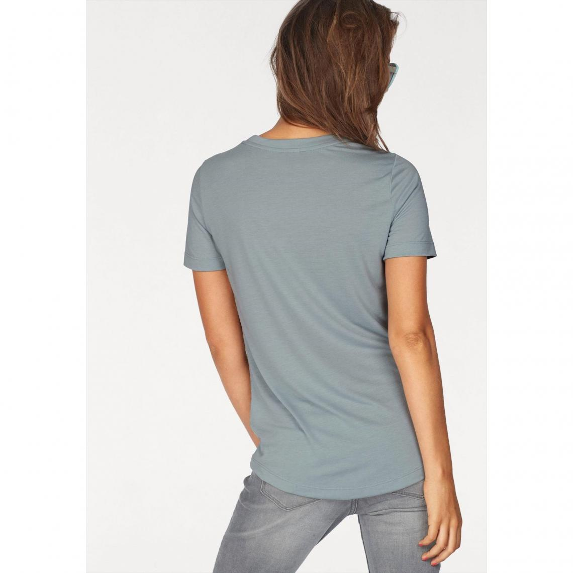 22f2127797a0e T-shirt col rond manches courtes femme Essential Nike Sportswear - Bleu Ciel