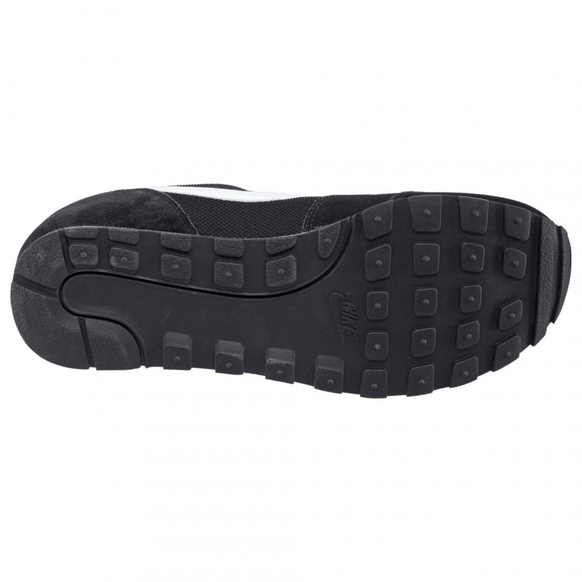 Nike MD Runner 2 chaussures de tennis homme - Noir - Blanc   3Suisses 9f5777f2cdda