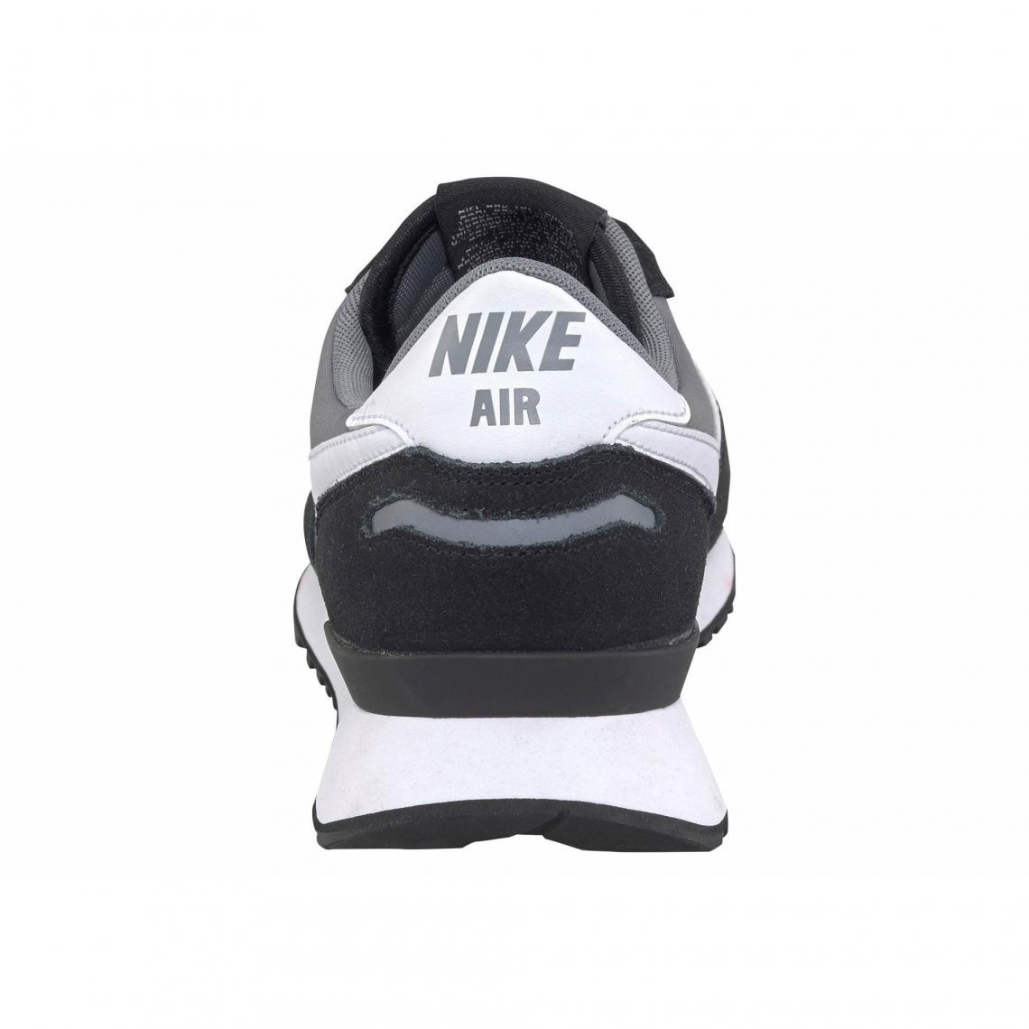 low priced c2c11 2a043 Toutes les chaussures Nike