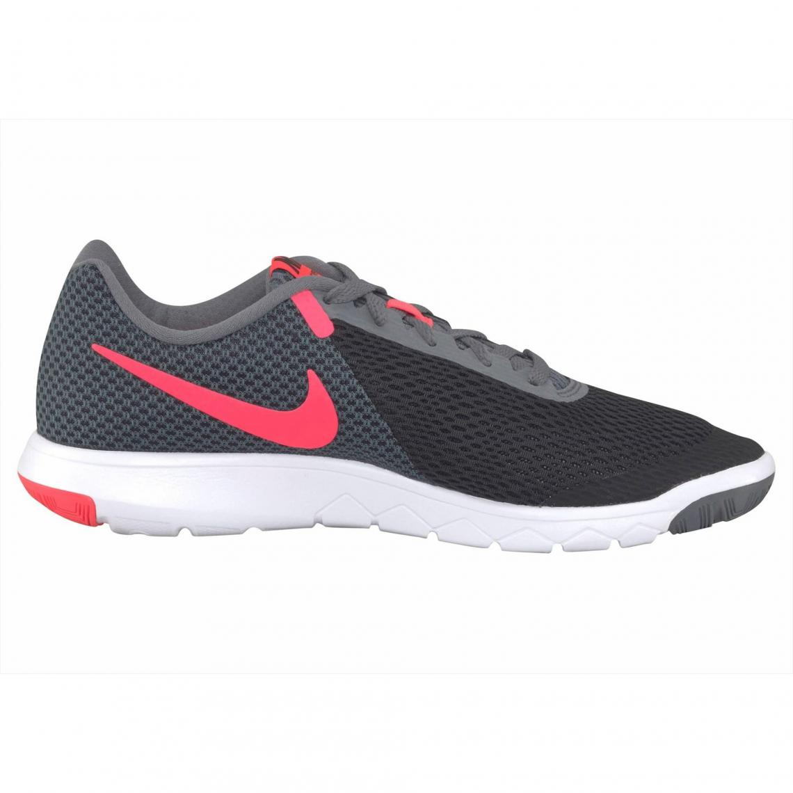 on sale 6659d eeb89 Chaussures de sport Nike