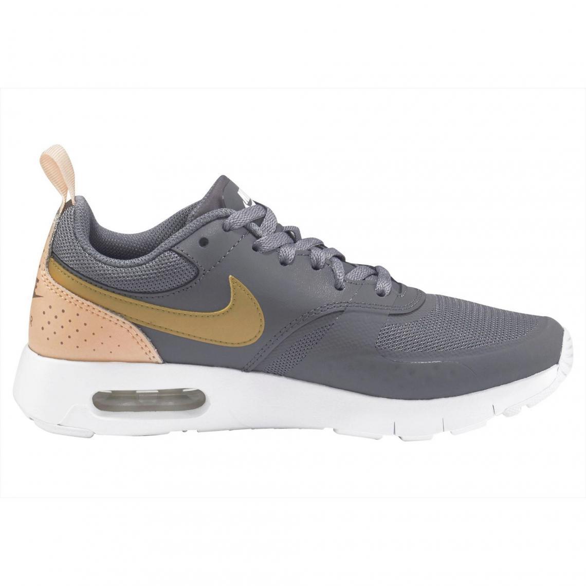 fe57dd4fe3049 Baskettes fille Air Max Vision de Nike - Gris   or