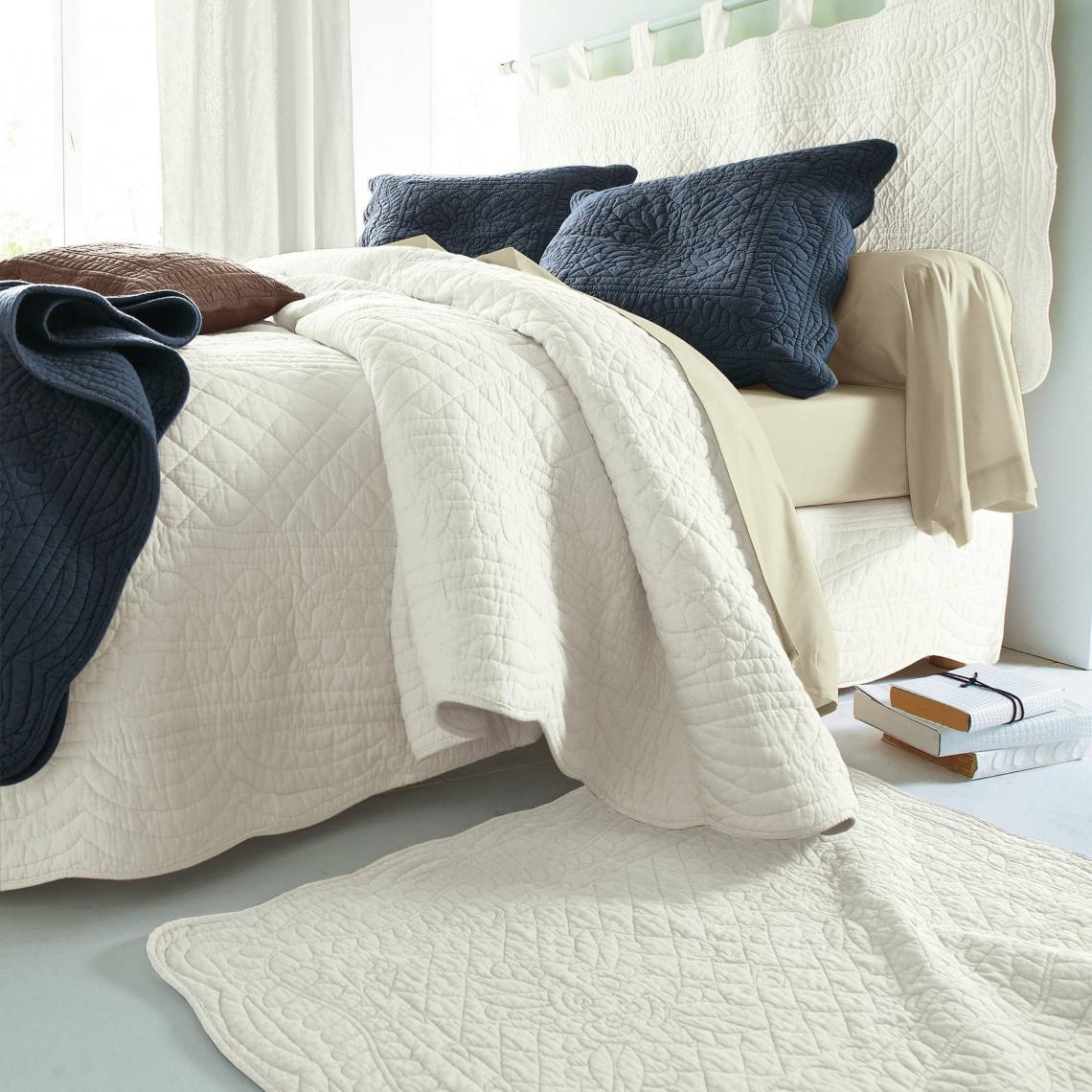 jet de lit uni boutis matelass coton tertio cru 3 suisses. Black Bedroom Furniture Sets. Home Design Ideas