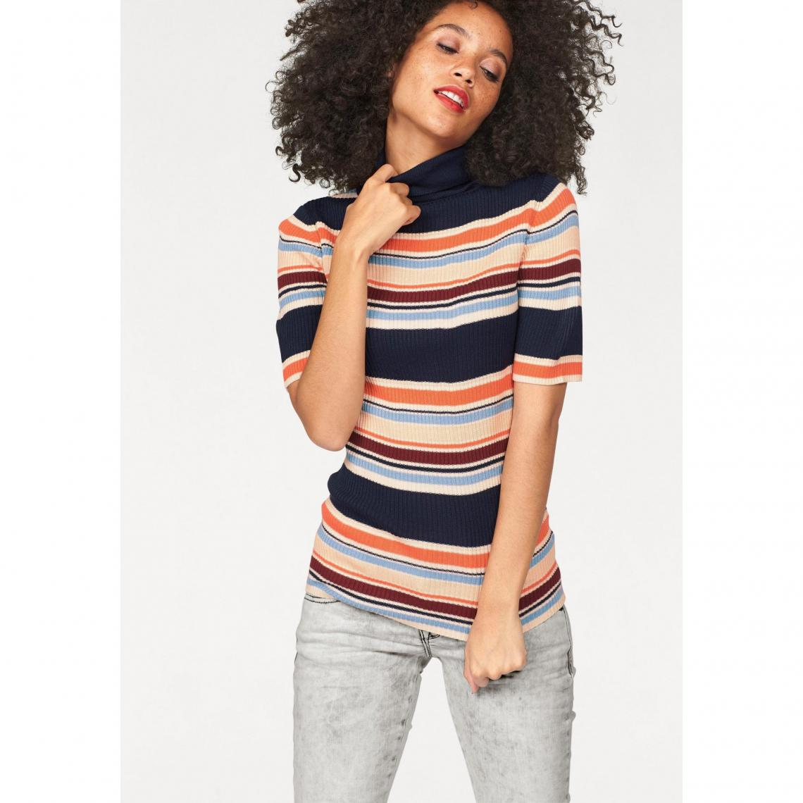 pull col roule manches courtes femme