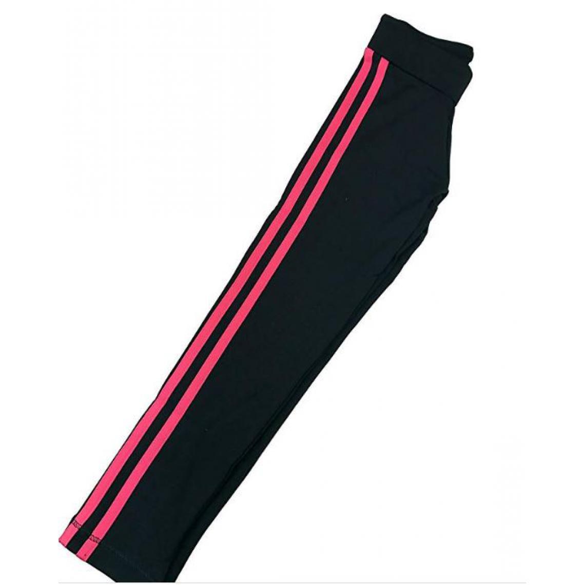 Pantalon de jogging Adidas Plus de détails