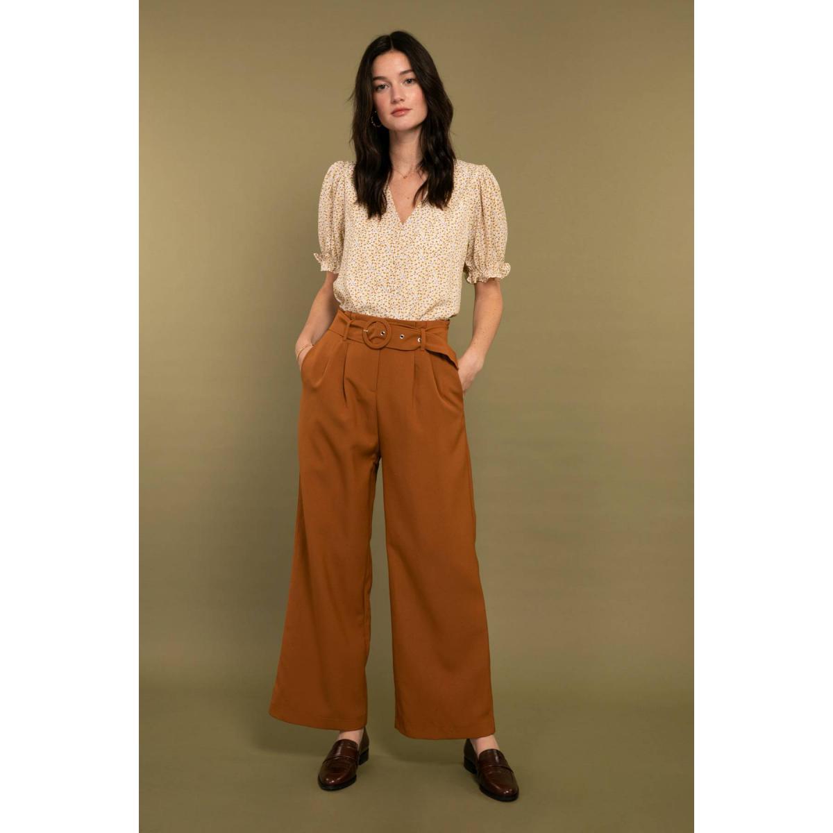Pantalon large à plis avec ceinture - Cherry Paris - Modalova