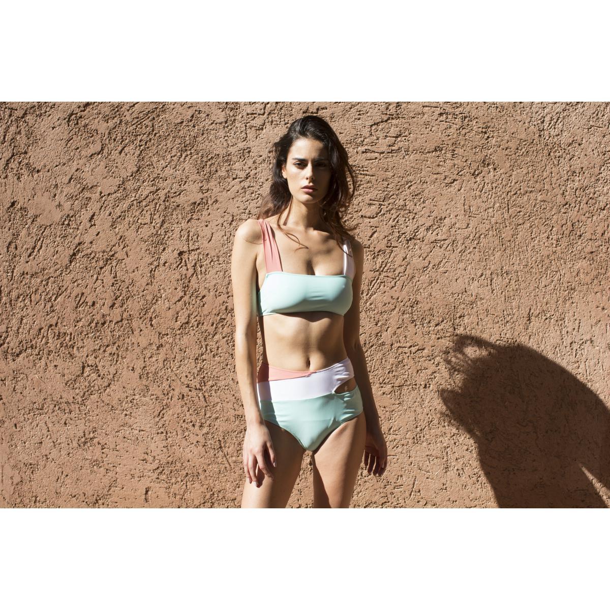 Haut de maillot de bain sans armatures MARINE Bleu - Luz Collection - Modalova