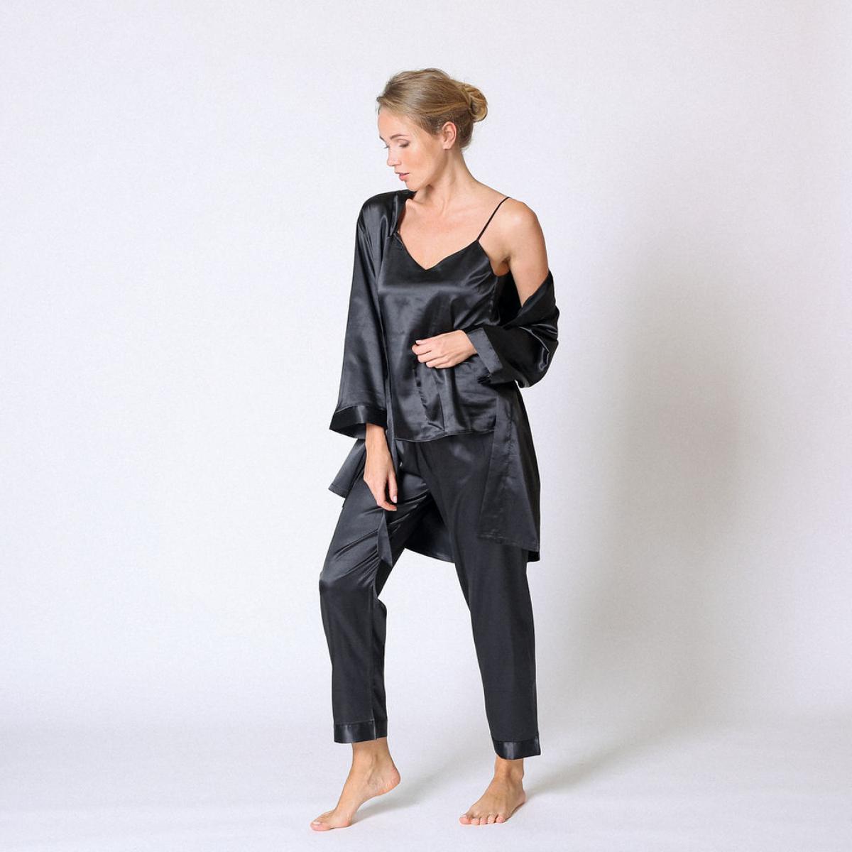Promo : Ensemble pyjama satin et déshabillié Noir - Midnight Lingerie - Modalova